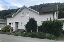 Privatzimmer mit Poolbenutzung in Feldkirch!