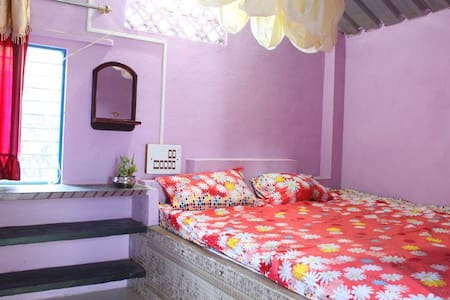 Clean Cosy Rooms in Beautiful Hampi