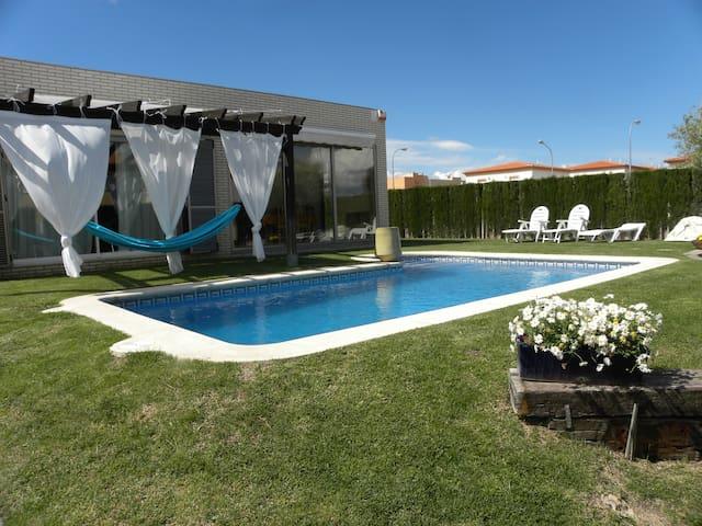 Preciosa casa con piscina privada - Miami Platja - Villa