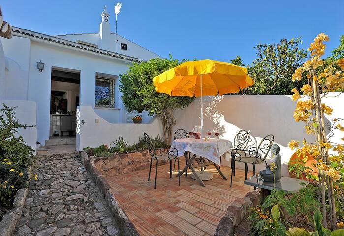 Casa Amarela - Quintal do Castelo - Silves