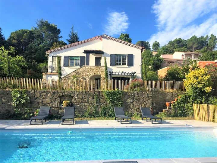 Appart 6 pers piscine  jardin parking wifi Anduze