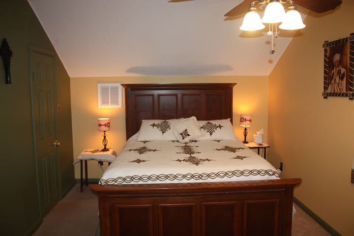 Private upstairs bedrooms and bath - Virginia Beach