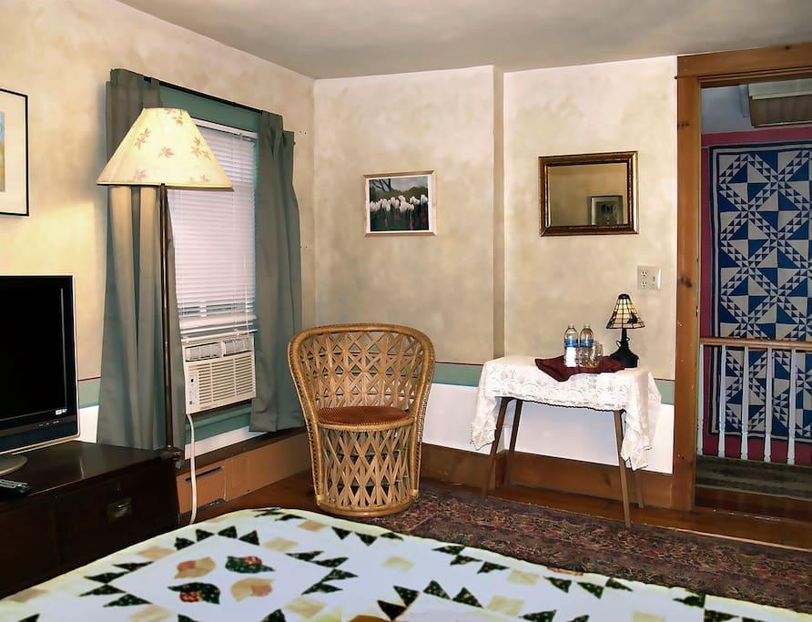 Bedroom - reading corner
