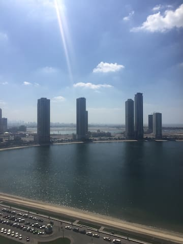 Great flat Amazing lagoon view! - Dubai - Appartement