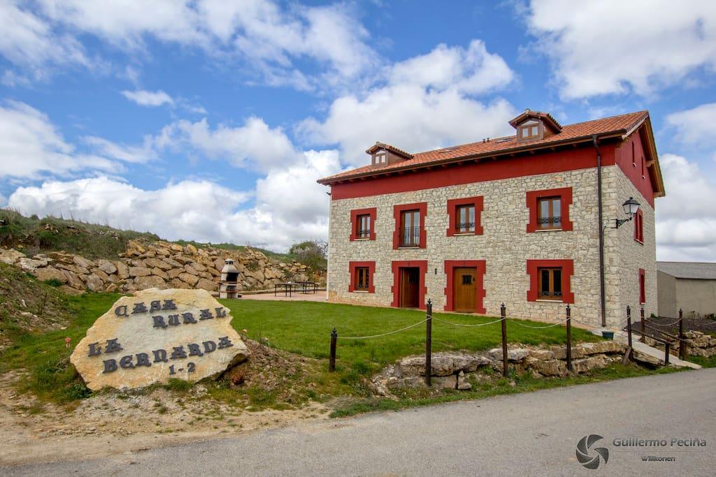 Fachada principal de Casa La bernarda
