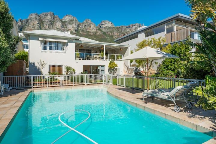 Luxurious en suite in Camps Bay