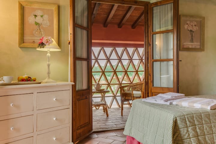 Lovely apartment in chianti Villa!
