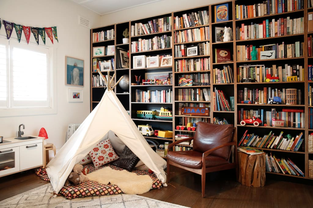 The teepee in the kids room, where our 4 year old sleeps. Also some of our books that you're welcome to read.
