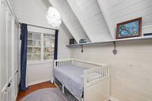 Divan bed - base slides out