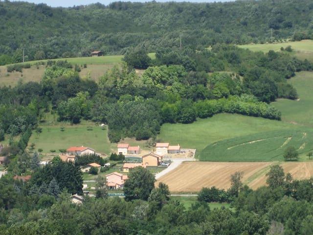 Drôme House campaign - Hauterives - Talo