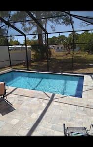 Mini Margaritaville with heated pool. 1 bed 1 bath