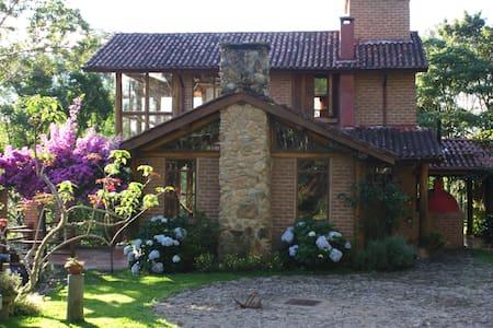 Casa Gonçalves - 6 Pessoas - Gonçalves