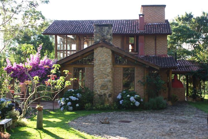 Casa em Gonçalves - 6 Pessoas