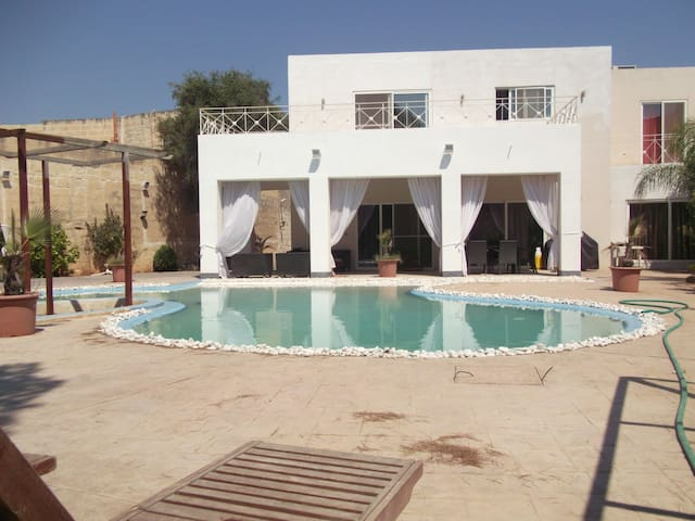 Coast Ridge Mansion (Room 8) - Naxxar - Guesthouse