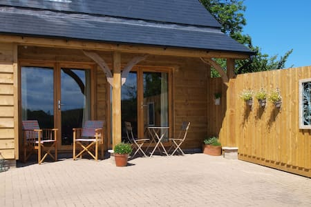 The Lodge a luxury woodland retreat - Braunton