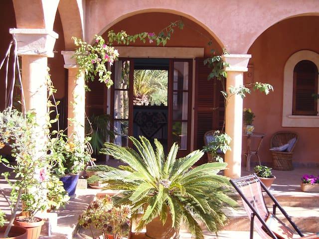 CASA M. Your Eco-Oasis on Majorca-B - Santanyí - Bed & Breakfast