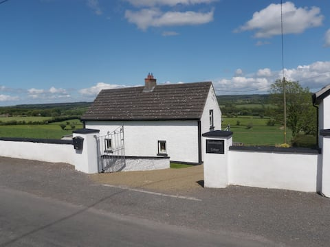 Traditional South Kilkenny Cottage: stunning views