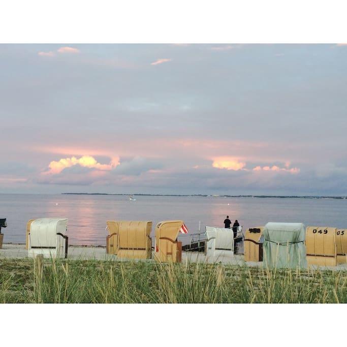 der Strander Strand in der Abendsonne
