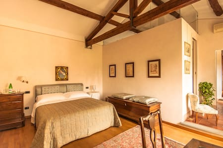 B&B Podere la Rondine - Suite - Bed & Breakfast