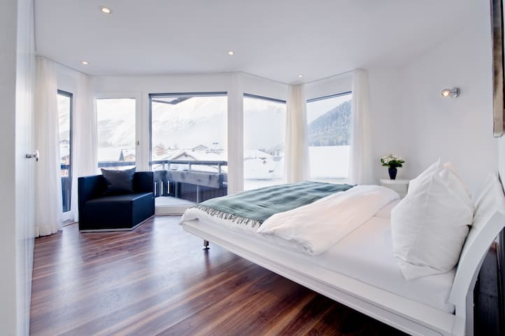 Bright modern 79sqm apartment - Saas Fee