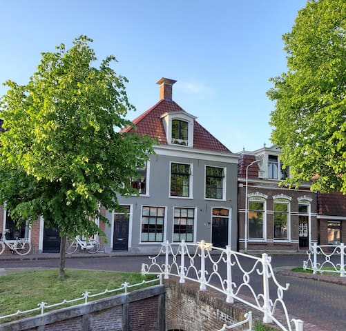 B&B De Koesfabriek Dokkum Centre at the canal