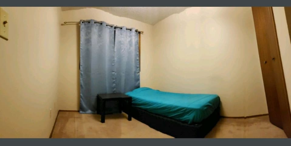 Bedroom forRent 10 min  Dalhousie station
