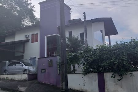 Suíte tranquila 01 na cidade de Jaragua do Sul