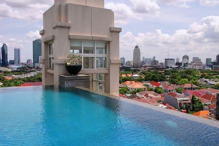 Cosy Apartment in Heart of Jakarta - Leilighet