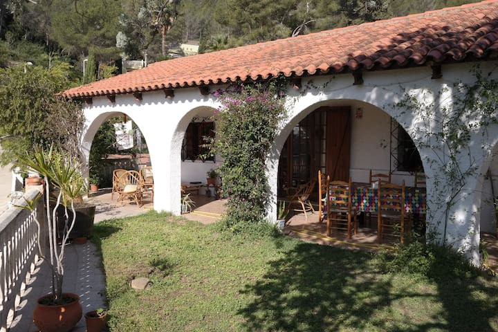 Family home in mountain side hamlet - Gandia - Haus