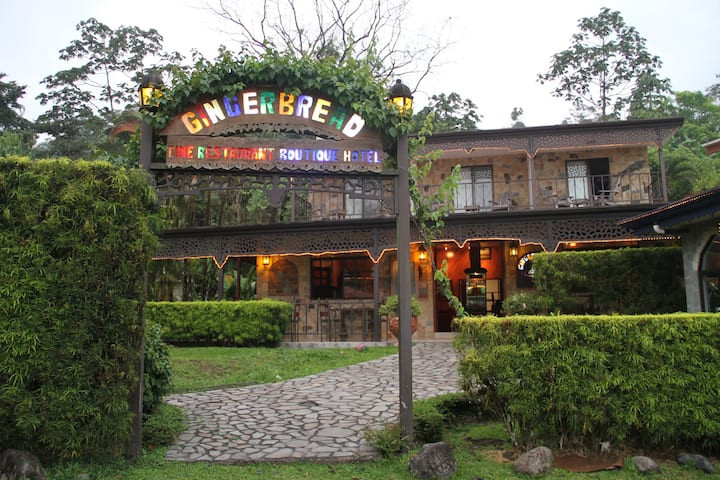 Gingerbread Boutique Hotel & Rest. - Lake Arenal