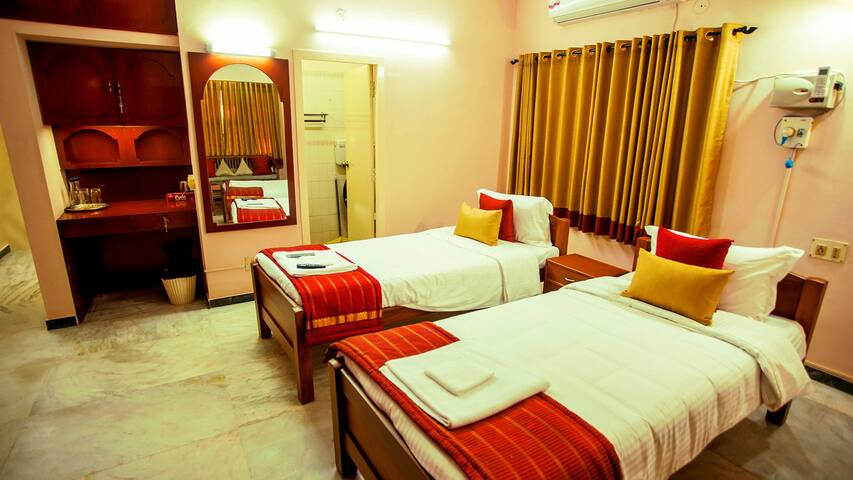 Veedu Home Stay - Double Bed Rooms