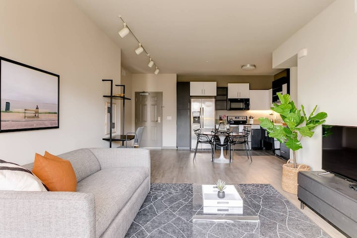 Abode | Marina del Rey | 2-Bedroom +Pool/Gym/Spa