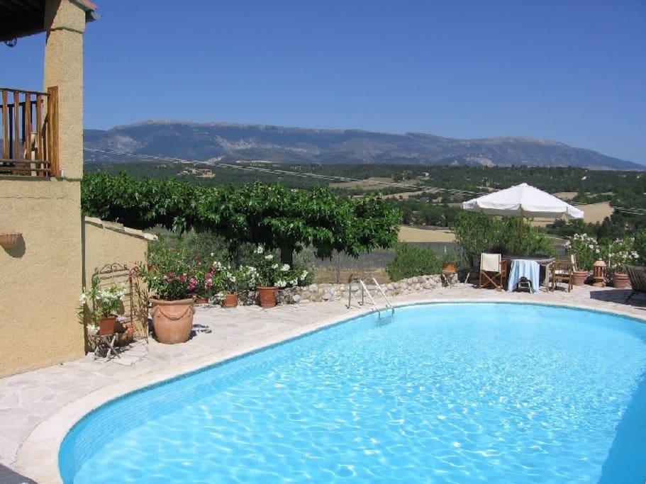 urlaubs villa mit beheiztem pool h user zur miete in. Black Bedroom Furniture Sets. Home Design Ideas