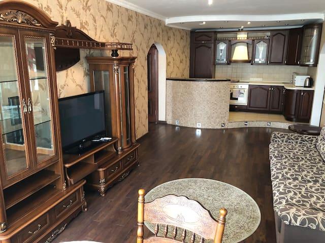 Элитная VIP квартира. Levoberezhnaya, Шумского 1б