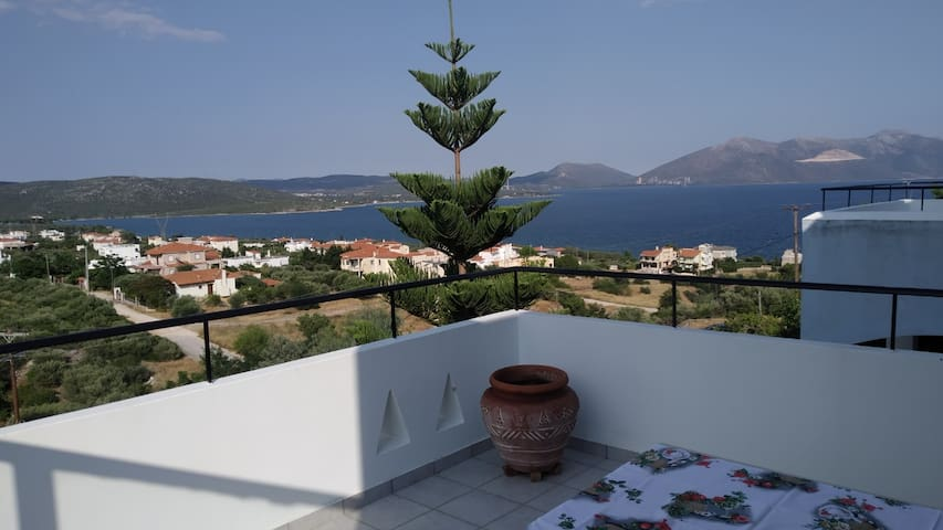 Blue Apartment, Akti Nireos, Wonderful Sea View