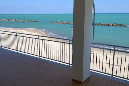 Appartamento sul mare primo piano - Torre Melissa - Apartment