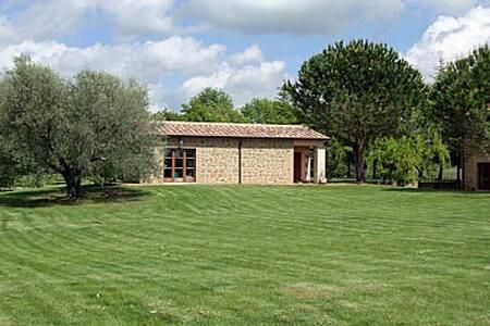 I Tre Casali Farm - Sovana
