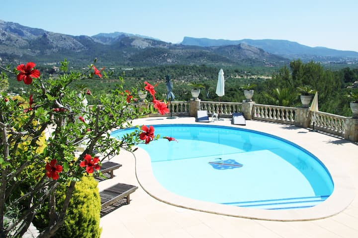 The Villa for your vacations - Tennis, BBQ, Petanq