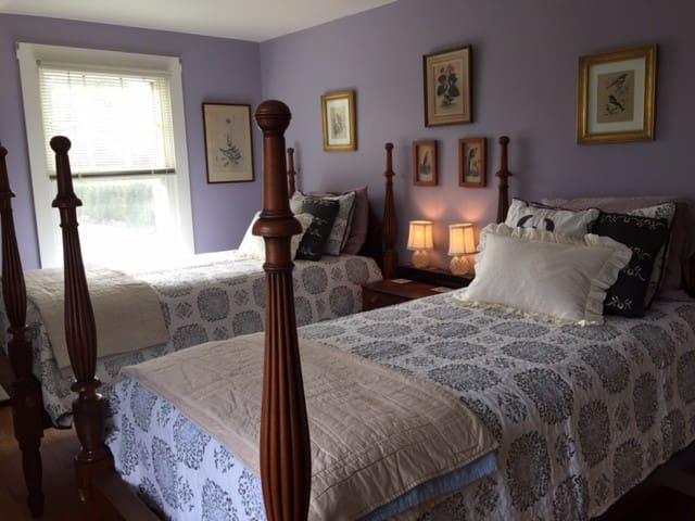 Southeast Twin bedroom on second floor