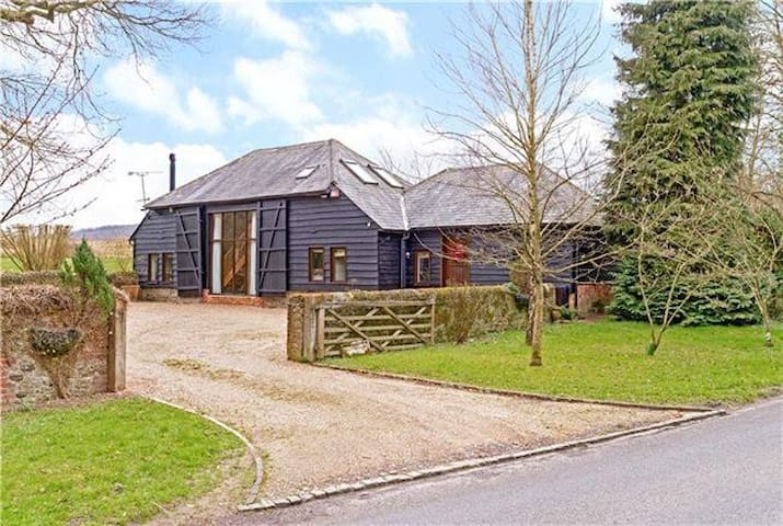 Converted Barn close to Goodwood - Duncton - House