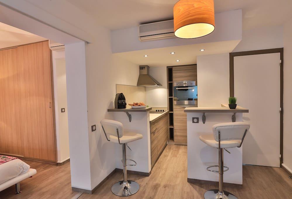 r s maison blanche 2pi ces appartements en r sidence louer juan les pins provence alpes. Black Bedroom Furniture Sets. Home Design Ideas