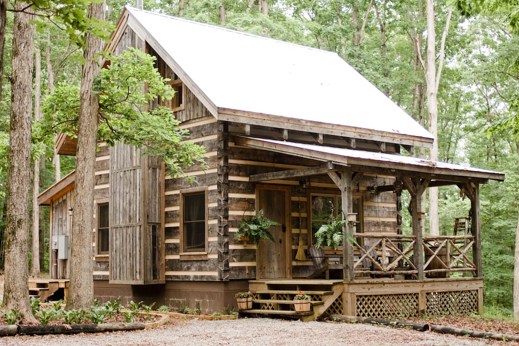 Honeymoon cabin outside nashville cabins for rent in for Large cabin rentals in tennessee