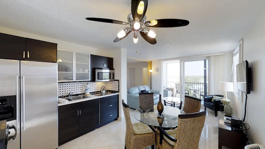 Modern Bonita Beach Condo - right at the Beach