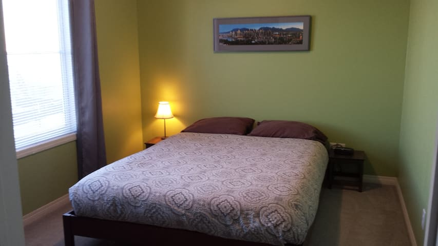 Copperfield Lane - 1 bedroom with private bathroom