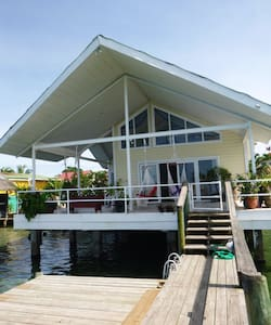 Oceanfront Home Close To Bocas Town - Bocas del Toro Province