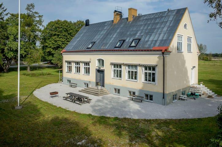 Träkumla skola 2 - Visby - Pis