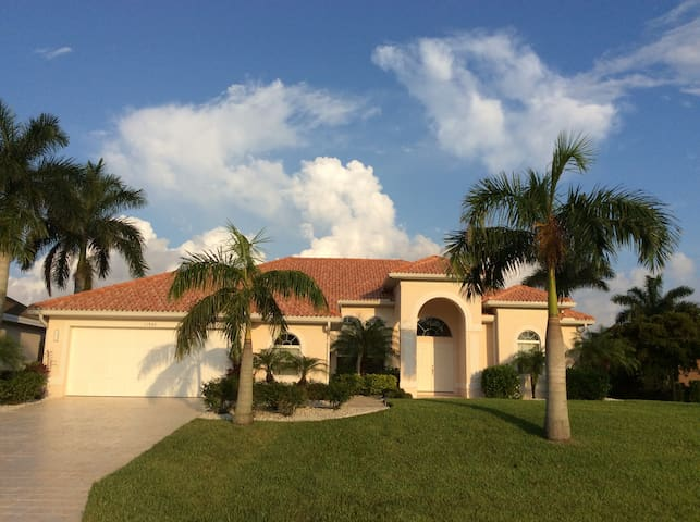 VILLA CAPE ROYAL - LUXUSHAUS IN GATED COMMUNITY ! - Cape Coral - Villa