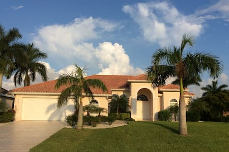 VILLA CAPE ROYAL - LUXUSHAUS IN GATED COMMUNITY ! - Cape Coral