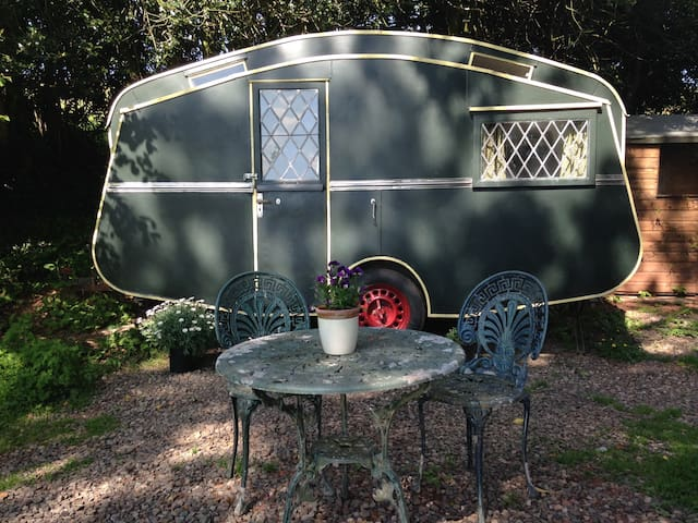 The Quantock Vintage Caravan - Taunton