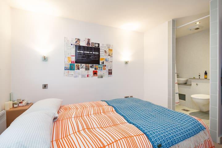 Spacious City room with en suite - Manchester - Apartemen